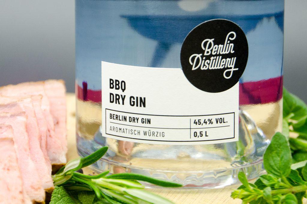 Berlin Distillery BBQ Dry Gin Nahaufnahme des Etiketts