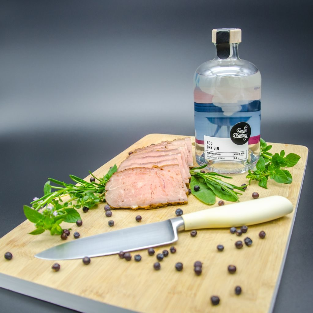 Berlin Distillery BBQ Dry Gin Perfect Serve mit Roastbeef
