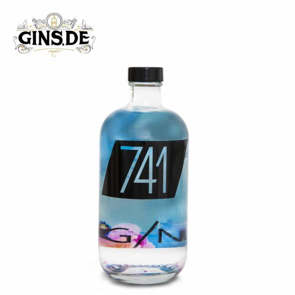 Flasche 741 Gin