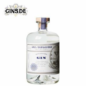 Flasche St. Georg Botanivore Gin